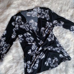 ELLEN TRACY | Black and white floral shirt